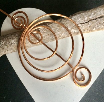 Copper circles pin